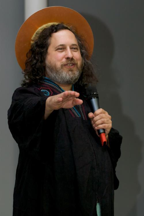 Richard Stallman nelle vesti di Saint IGNUcius (fonte: wikimedia.org)