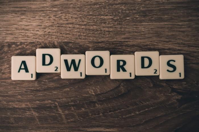 AdWords: via gli annunci standard, largo agli annunci estesi