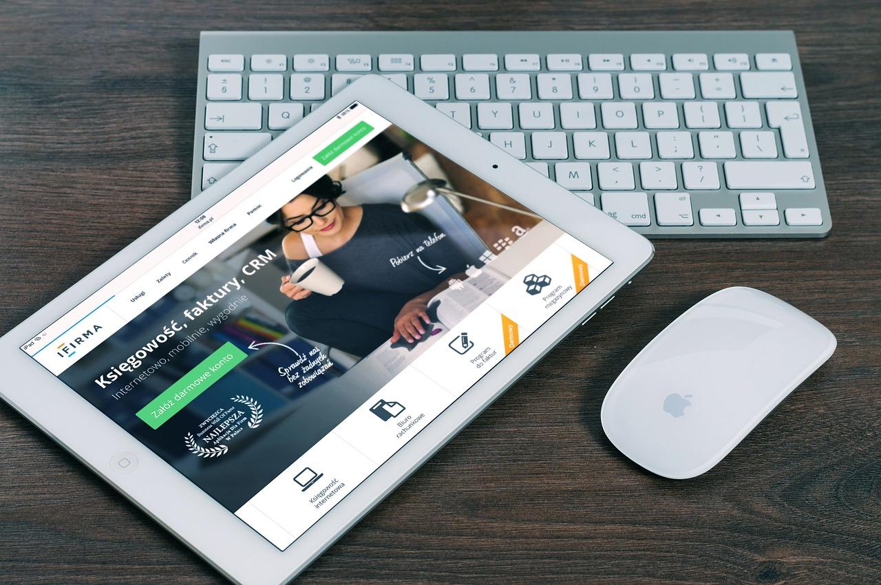 Piccolo business: Sito web o social network?