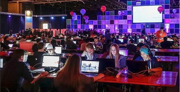 """Campus Party: 1000 biglietti gratis con """"Installa la tua tenda"""""""