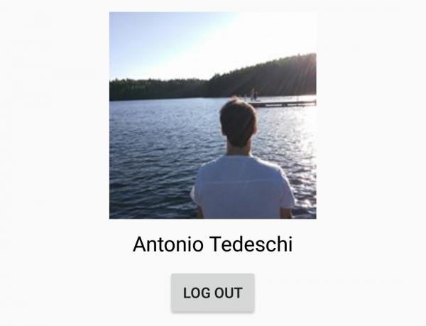 LoginActivity con le informazioni dell'utente e il bottone di logout