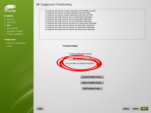 Figura 1: L'installazione di openSUSE 12.1 consente di utilizzare il file system Btrfs