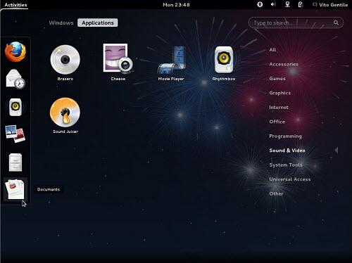 Figura 1: GNOME 3.4 e GNOME Shell governano il desktop di Fedora