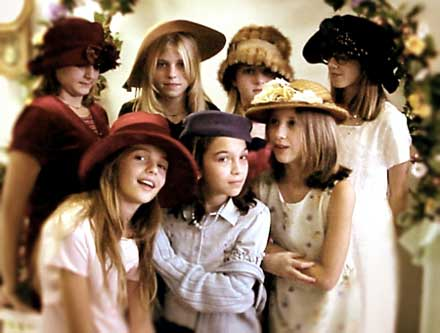 Immagine di gruppo di ragazze